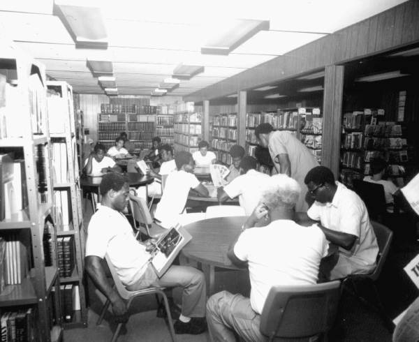 Glades Correctional Institution inmates reading in the prison library - Belle Glade, Florida (1975) From the State Archives of Florida, Florida Memory, https://floridamemory.com/items/show/2015 (Photo by Tom McLendon)